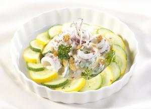 Mát Mẻ Ngày Hè Với Món Salad Bí Ngòi